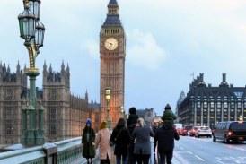 Sute de mii de persoane părăsesc Marea Britanie din cauza pandemiei de COVID-19