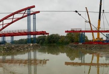 Podul peste râul Someș între Seini și Pomi e aproape gata