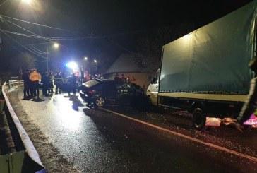 Trei mașini implicate într-un accident auto în Dănești