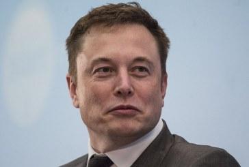 """Elon Musk a anunță că mașinile Tesla """"pot fi cumpărate acum cu Bitcoin"""""""