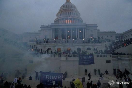 Imaginea zilei: asaltul suporterilor lui Donald Trump asupra clădirii Capitoliului