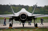 Marea Britanie semnează un contract de 30 milioane de lire pentru primele sale drone de luptă