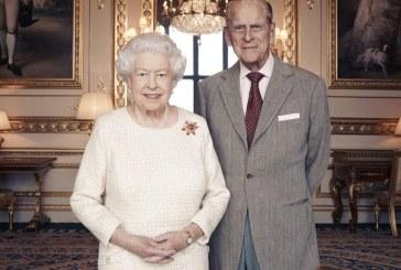 Regina Elizabeth a II-a şi prinţul consort Philip au fost vaccinaţi