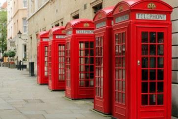 Celebrele cabine telefonice roşii din Marea Britanie ajută acum la salvarea de vieţi