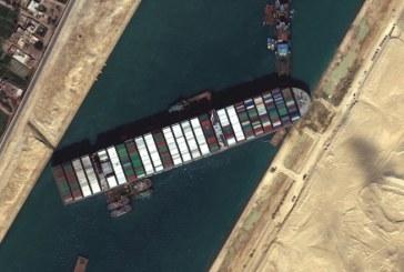 Reluarea traficului în mod normal în zona Canalului Suez ar putea dura 6 zile