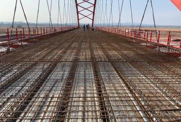 Seini: Lucrările la podul peste râul Someș au fost reluate