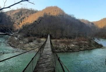 REPARAȚII URGENTE – Puntea de la Aspra va fi redată circuitului turistic