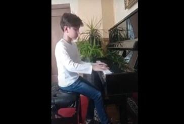 Talentele Maramureșului: Roman Zah Paul, pianist la Școala Internațională Baia Mare (VIDEO)