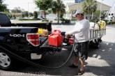 Consumatorii americani avertizaţi să nu transporte benzină în pungi de plastic