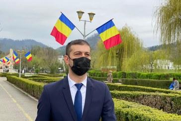 Cu straița în târg: Patriotul local Gabriel Zetea a descoperit mersul la piață. Era și cazul