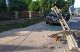 NEGREȘTI OAȘ – Accident cu trei victime după ciocnirea cu un stâlp de curent