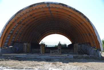 Investiție: Continuă lucrările la bazinul de înot din Fărcașa