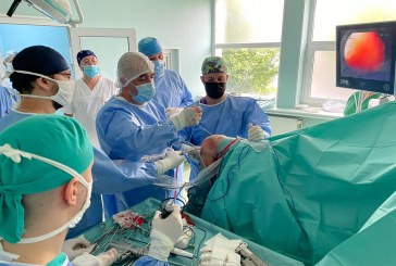 """O nouă clasă de operații chirurgicale artroscopice la Spitalul Județean de Urgență """"Dr. Constantin Opriș"""" din Baia Mare"""