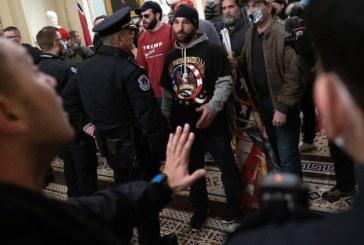EXTERNE – Patru dintre poliţiştii care au intervenit la asaltul de la Capitoliu s-au sinucis