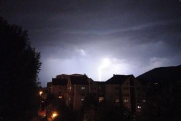 FOTO – Furtună apocaliptică peste Baia Mare aseară