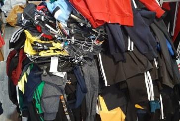 MĂRCI CONTRAFĂCUTE – Maramureșenii sunt păcăliți să cumpere haine de firmă