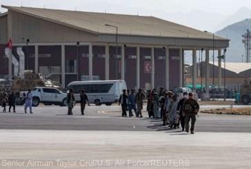 Afganistan: Statele Unite îşi sfătuiesc cetăţenii să evite deplasările spre aeroportul din Kabul