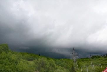 SE STRICĂ VREMEA – Ploi abundente așteptate în Maramureș