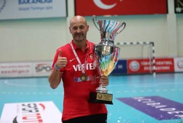 PRIMUL TROFEU – Costică Buceschi câștigă SuperCupa Turciei cu Kastamonu