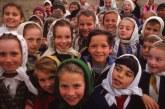 """Școala în anii 70, în satele din Maramureș: """"Noi ghiozdane n-am avut, numa trăistuță"""""""
