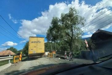 ÎN 13 SEPTEMBRIE – Circulație închisă total 6 ore pe DN17C în Săcel