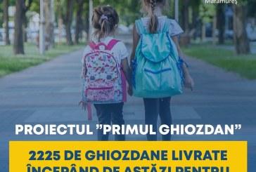 A început livrarea ghiozdanelor echipate pentru elevii claselor pregătitoare din Maramureș