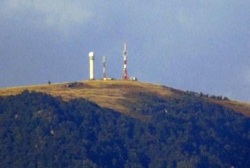 Imaginea zilei: Vârful Igniș văzut din comuna Recea